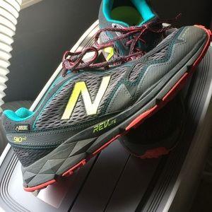 New Balance Goretex WT910v2 Trail Running Sz 9.5